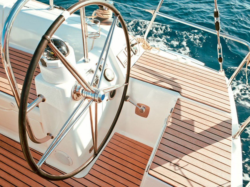 Hello Yacht Charter